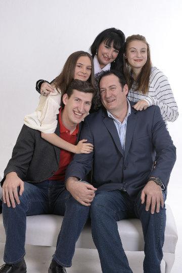 Rodzina składająca się z dzieci i rodziców